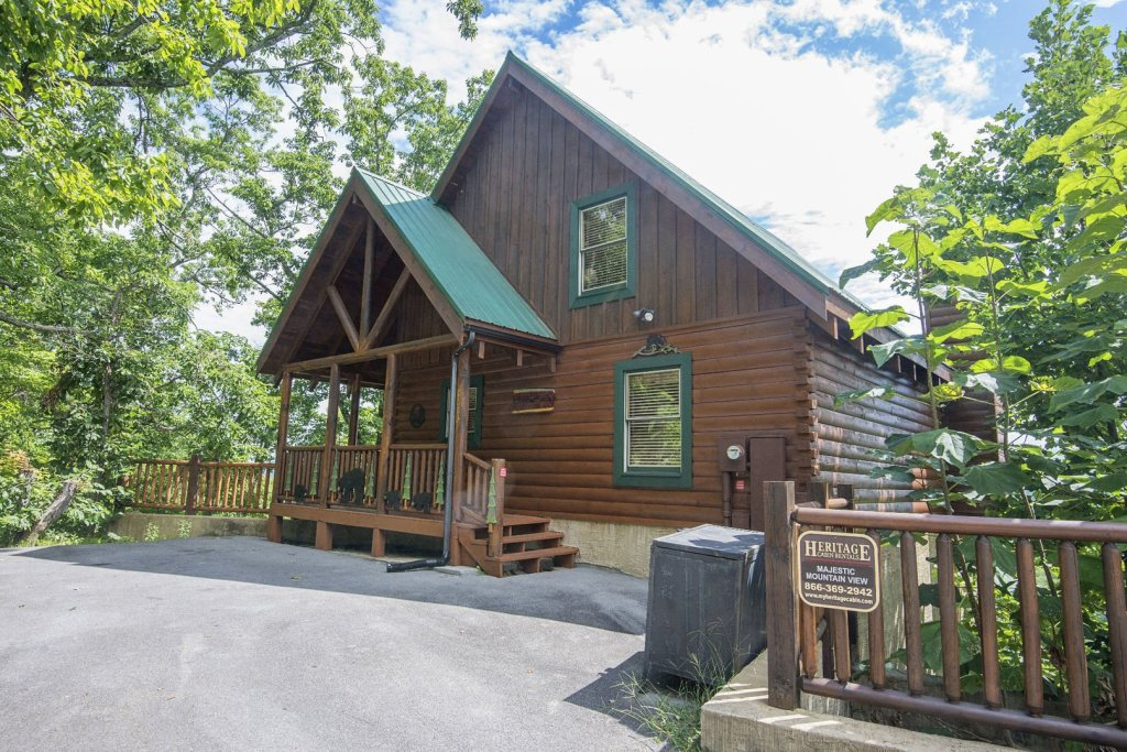 Photo of a Pigeon Forge Cabin named Majestic Mountain View - This is the twenty-fifth photo in the set.