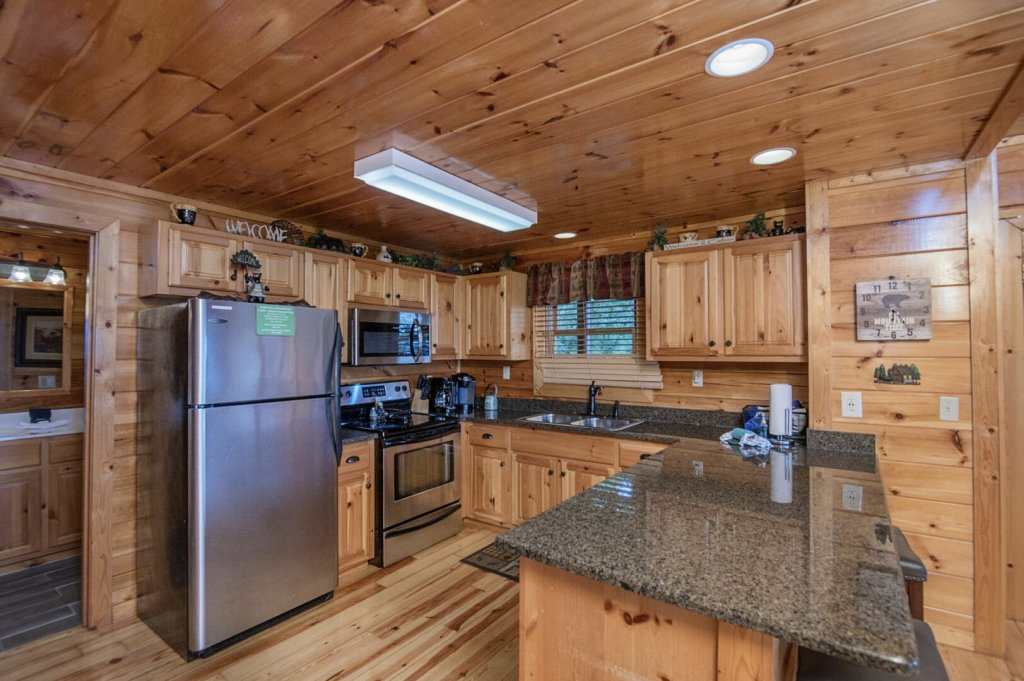 Photo of a Pigeon Forge Cabin named Majestic Mountain View - This is the fourteenth photo in the set.