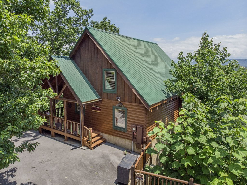 Photo of a Pigeon Forge Cabin named Majestic Mountain View - This is the twenty-ninth photo in the set.