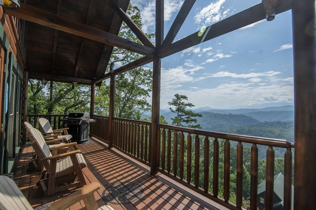 Photo of a Pigeon Forge Cabin named Majestic Mountain View - This is the forty-first photo in the set.