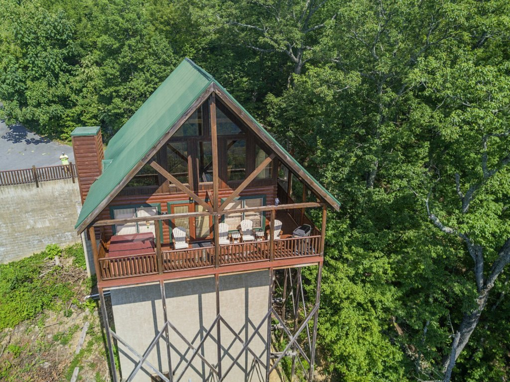 Photo of a Pigeon Forge Cabin named Majestic Mountain View - This is the forty-eighth photo in the set.