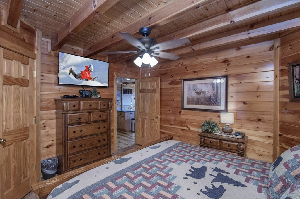 Photo of a Pigeon Forge Cabin named Majestic Mountain View - This is the forty-third photo in the set.