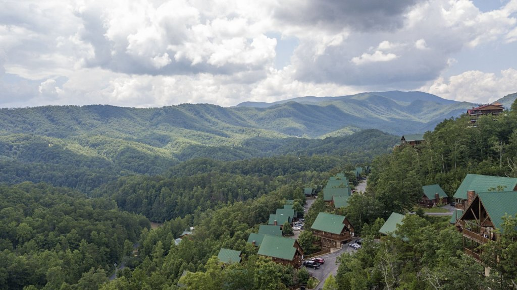 Photo of a Pigeon Forge Cabin named Majestic Mountain View - This is the twenty-first photo in the set.