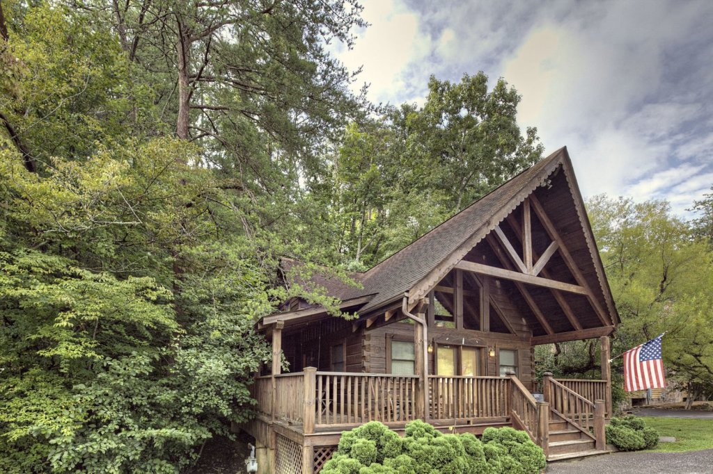 Photo of a Pigeon Forge Cabin named  The Bear Pause - This is the twenty-sixth photo in the set.