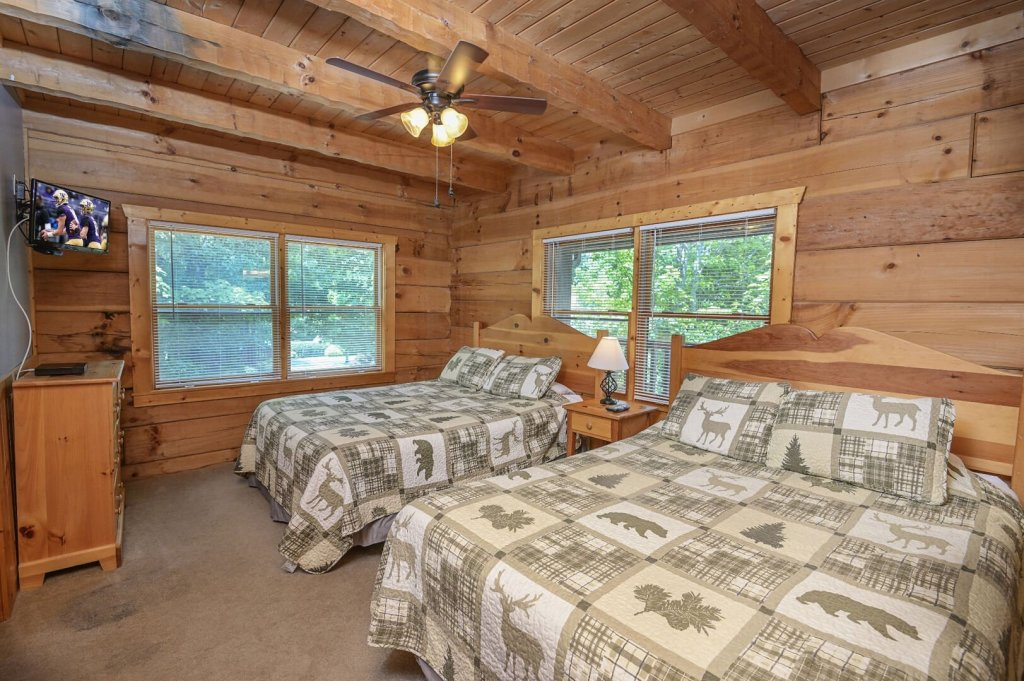 Photo of a Pigeon Forge Cabin named  Best Of Both Worlds - This is the thirty-fourth photo in the set.