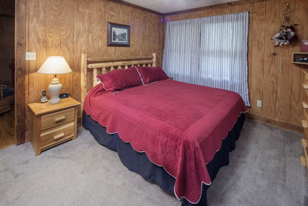 Photo of a Pigeon Forge Cabin named  Grandma & Granpaws Place - This is the seventeenth photo in the set.