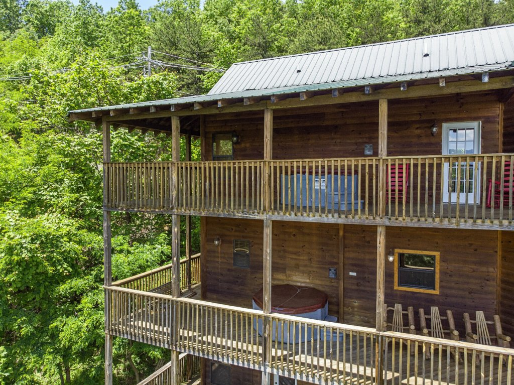 Photo of a Gatlinburg Cabin named Smokerise Lodge - This is the thirty-eighth photo in the set.