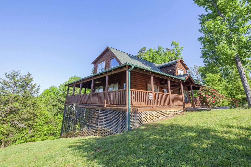 Photo of a Sevierville Cabin named Bear Hugs - This is the eleventh photo in the set.
