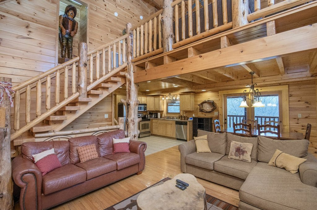 Photo of a Sevierville Cabin named Arrowhead Lodge - This is the fourth photo in the set.