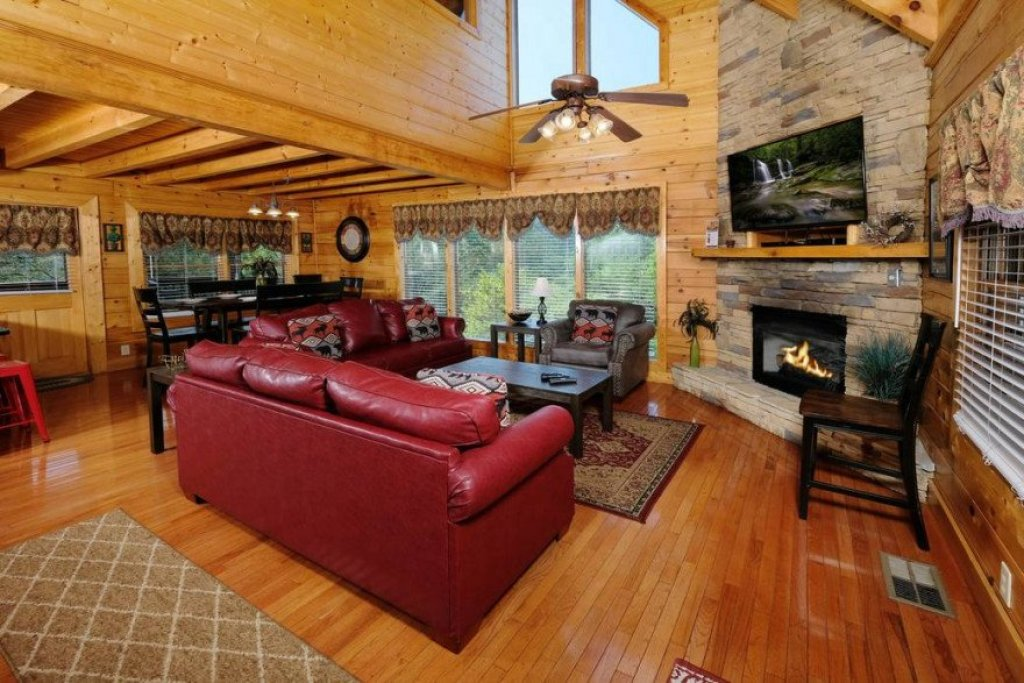Photo of a Sevierville Cabin named  Heavenly View - This is the fifth photo in the set.