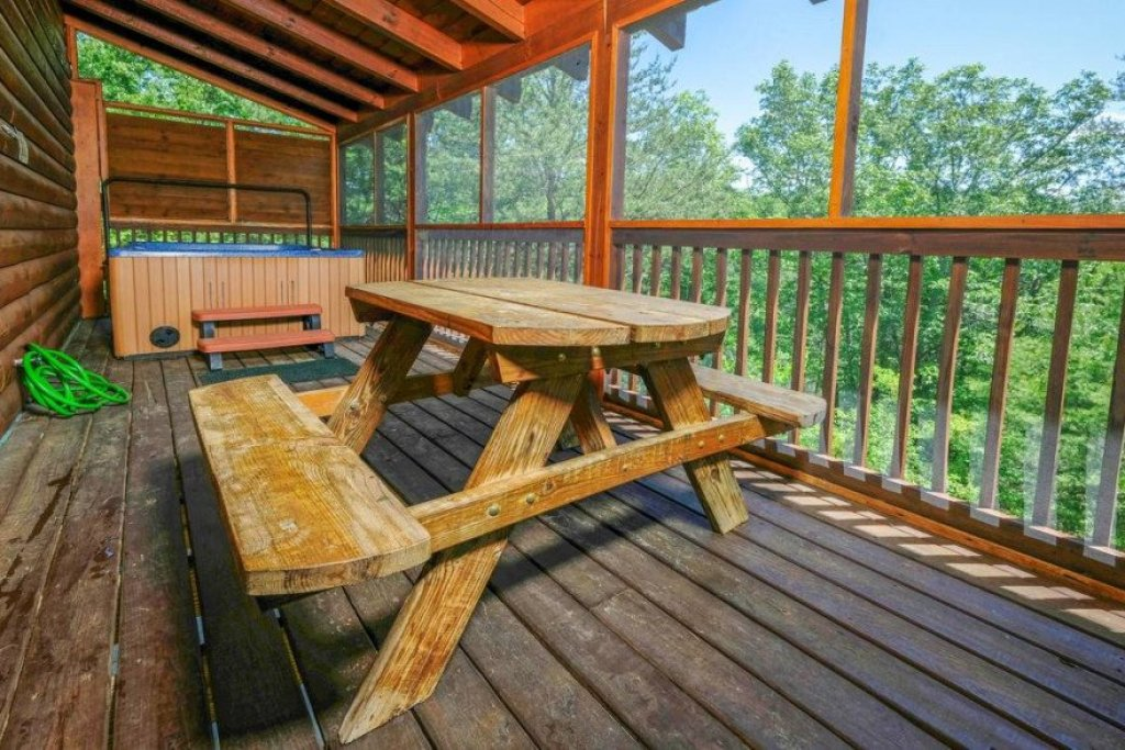 Photo of a Sevierville Cabin named  Heavenly View - This is the sixteenth photo in the set.