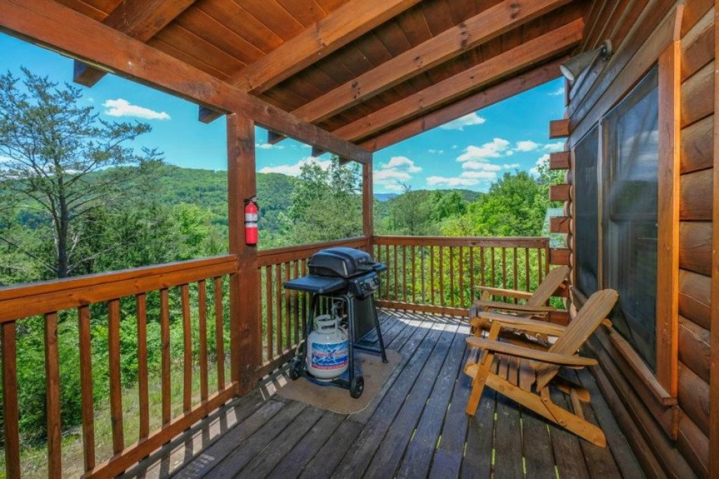 Photo of a Sevierville Cabin named  Heavenly View - This is the fifteenth photo in the set.