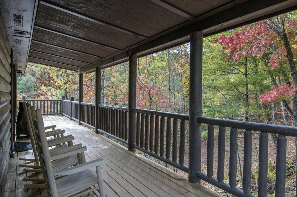 Photo of a Gatlinburg Cabin named Double Diamond Lodge - This is the thirty-first photo in the set.