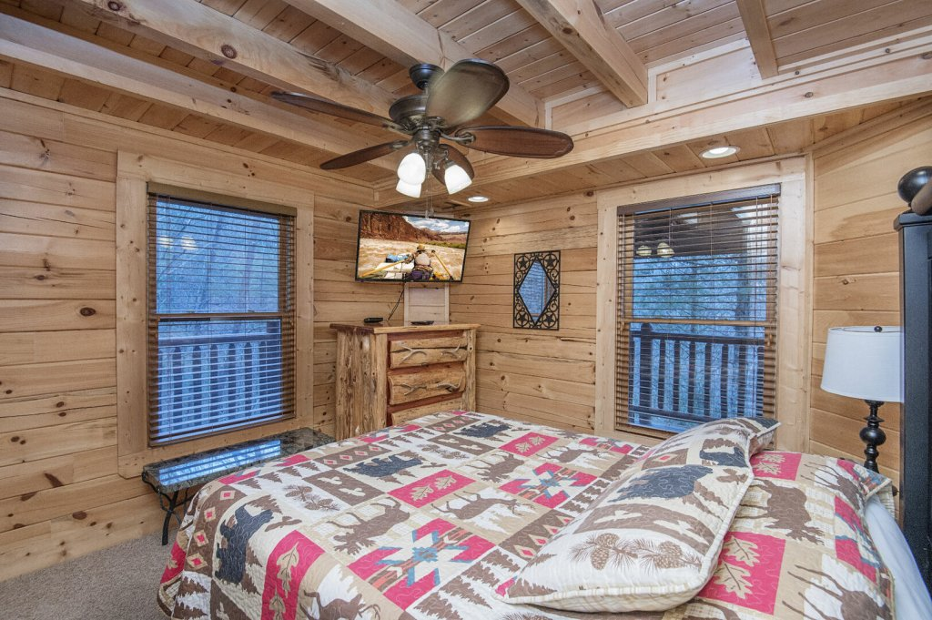Photo of a Sevierville Cabin named Arrowhead Lodge - This is the thirty-first photo in the set.