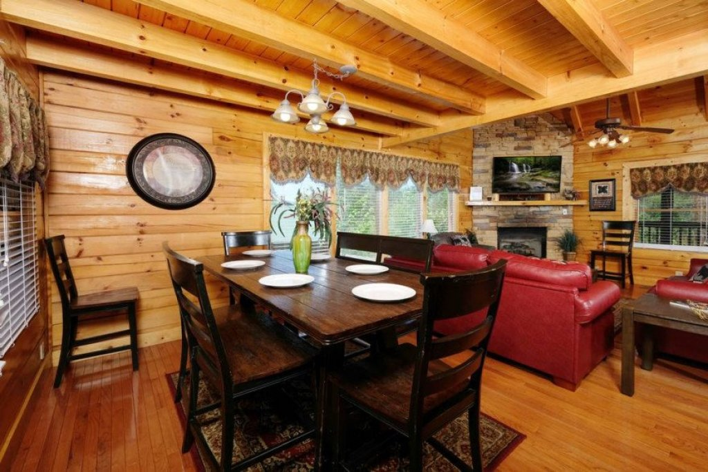 Photo of a Sevierville Cabin named  Heavenly View - This is the tenth photo in the set.