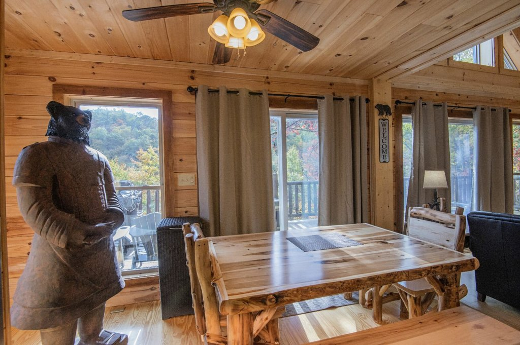 Photo of a Gatlinburg Cabin named Double Diamond Lodge - This is the forty-ninth photo in the set.