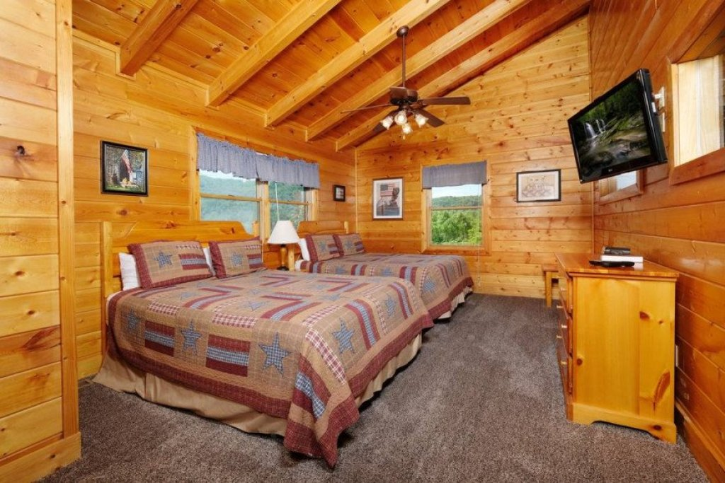 Photo of a Sevierville Cabin named  Heavenly View - This is the twenty-seventh photo in the set.