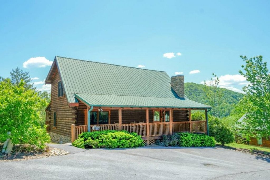 Photo of a Sevierville Cabin named  Heavenly View - This is the first photo in the set.