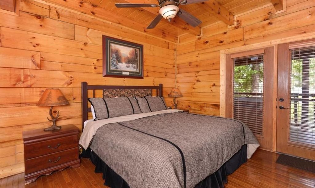 Photo of a Pigeon Forge Cabin named River's Edge - This is the eleventh photo in the set.