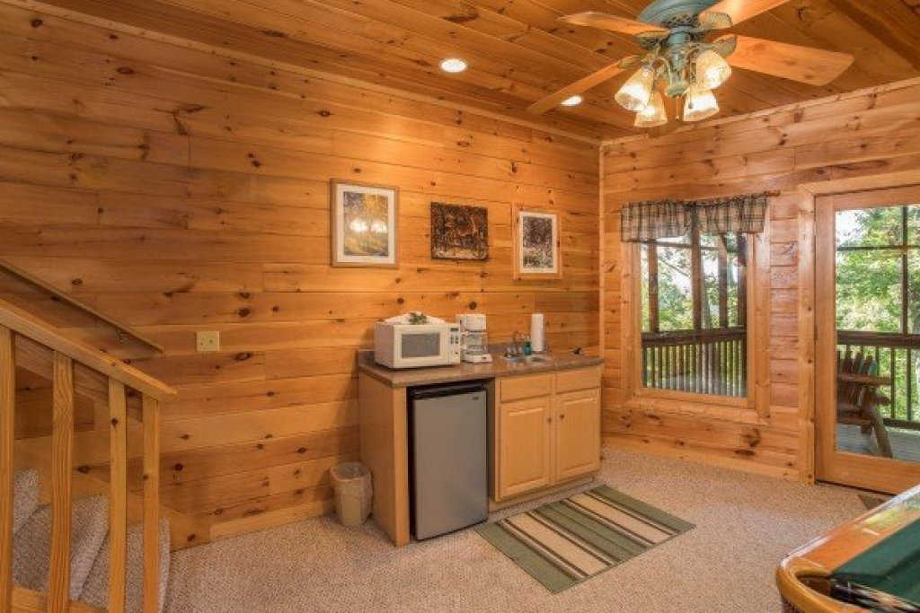 Photo of a Sevierville Cabin named Friends In High Places - This is the fifteenth photo in the set.