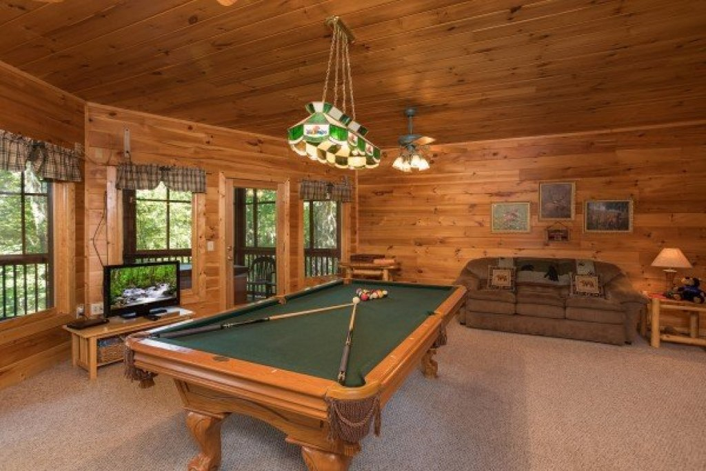 Photo of a Sevierville Cabin named Friends In High Places - This is the fourteenth photo in the set.