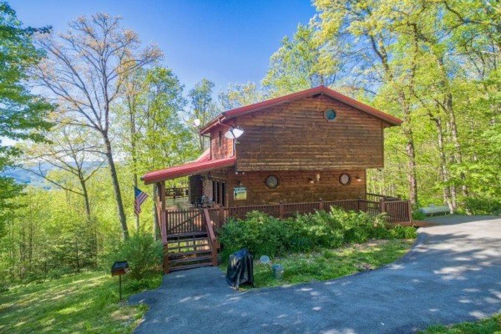 Photo of a Sevierville Cabin named Friends In High Places - This is the thirtieth photo in the set.