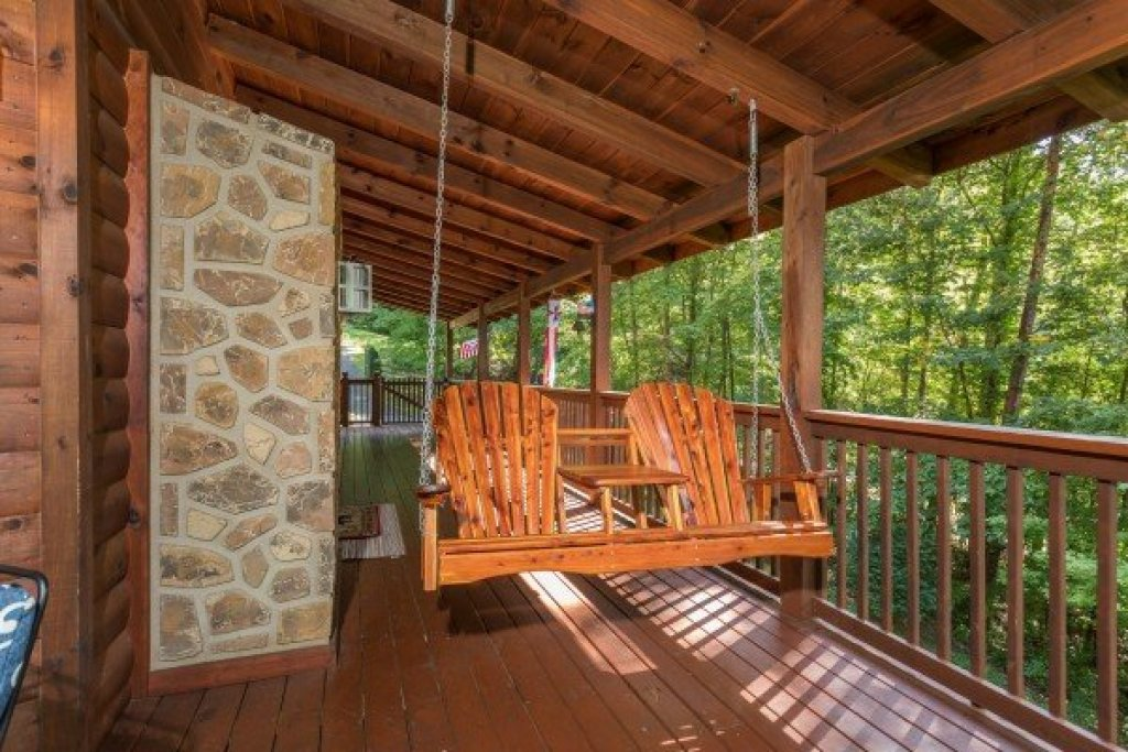 Photo of a Sevierville Cabin named Friends In High Places - This is the twenty-first photo in the set.