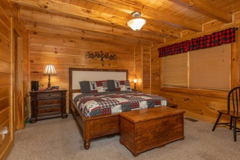 Photo of a Sevierville Cabin named Absolutely Wonderful - This is the ninth photo in the set.