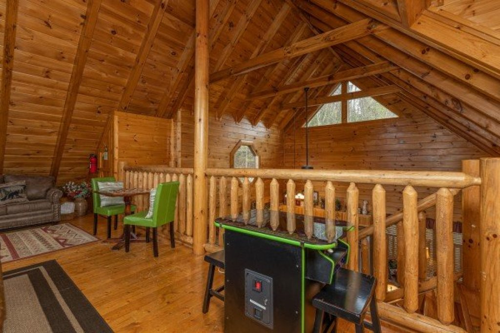 Photo of a Sevierville Cabin named Absolutely Wonderful - This is the twenty-third photo in the set.