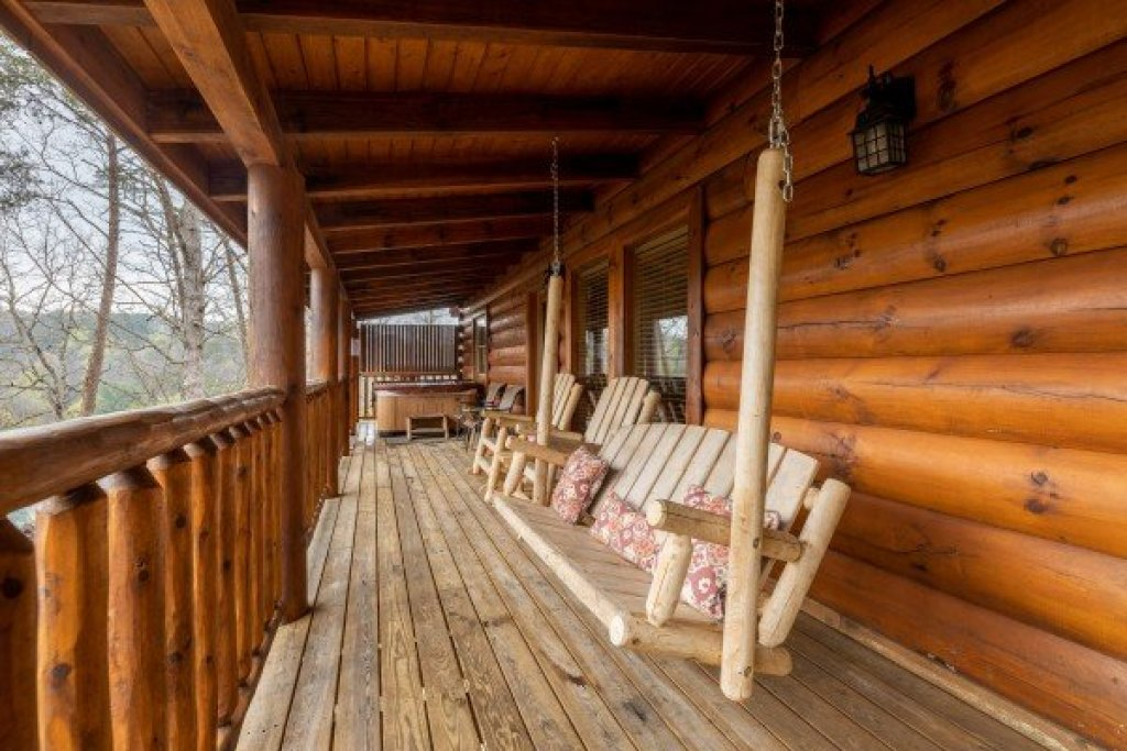 Photo of a Sevierville Cabin named Absolutely Wonderful - This is the eighteenth photo in the set.