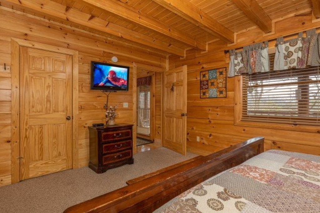 Photo of a Sevierville Cabin named Absolutely Wonderful - This is the fourteenth photo in the set.