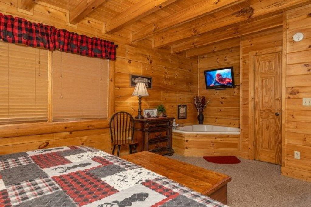 Photo of a Sevierville Cabin named Absolutely Wonderful - This is the tenth photo in the set.