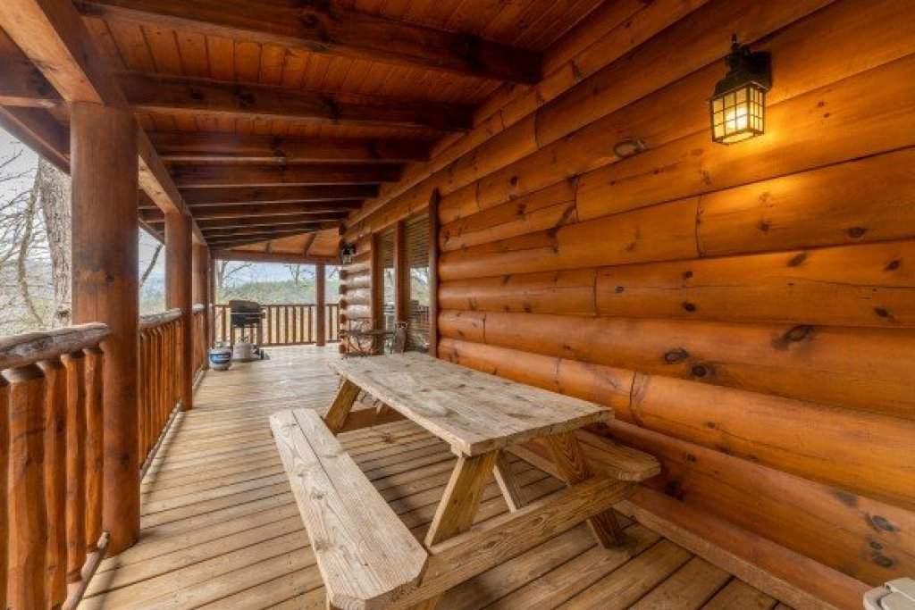Photo of a Sevierville Cabin named Absolutely Wonderful - This is the seventh photo in the set.