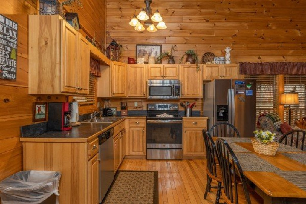 Photo of a Sevierville Cabin named Absolutely Wonderful - This is the fourth photo in the set.