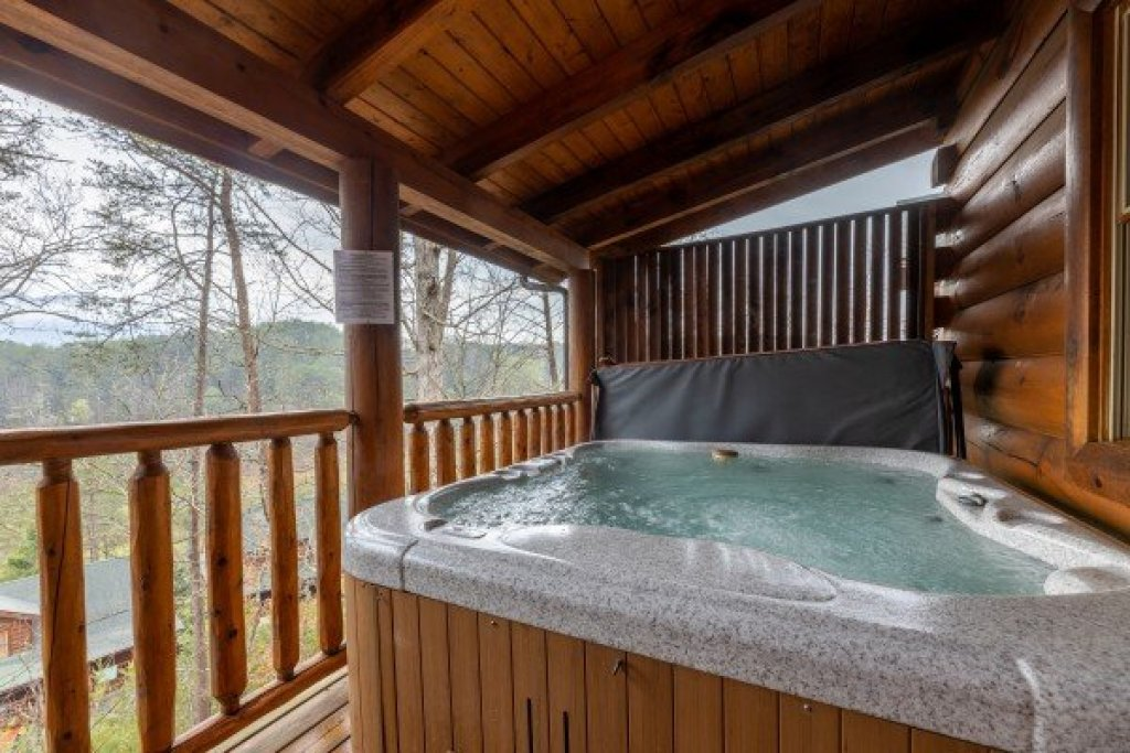 Photo of a Sevierville Cabin named Absolutely Wonderful - This is the nineteenth photo in the set.