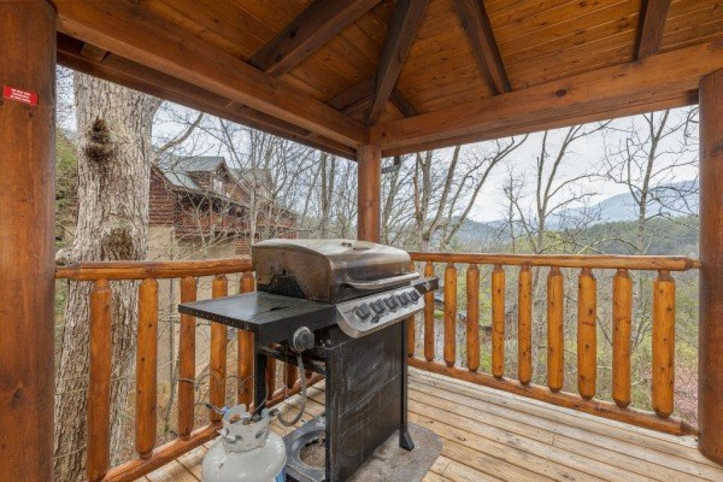 Photo of a Sevierville Cabin named Absolutely Wonderful - This is the sixth photo in the set.
