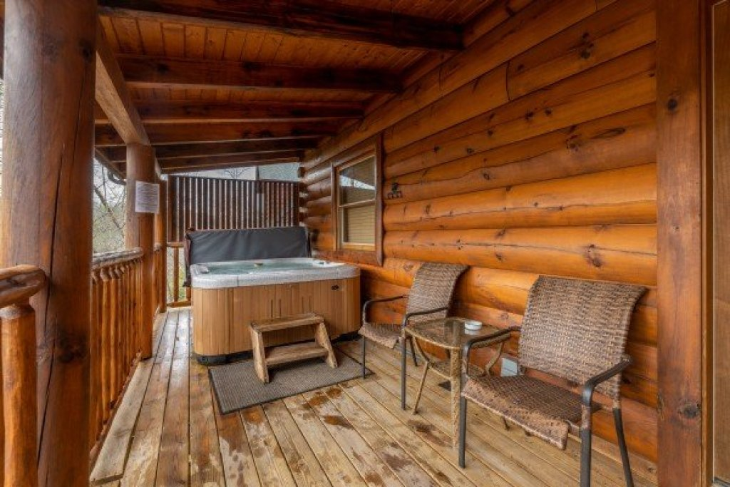 Photo of a Sevierville Cabin named Absolutely Wonderful - This is the twentieth photo in the set.