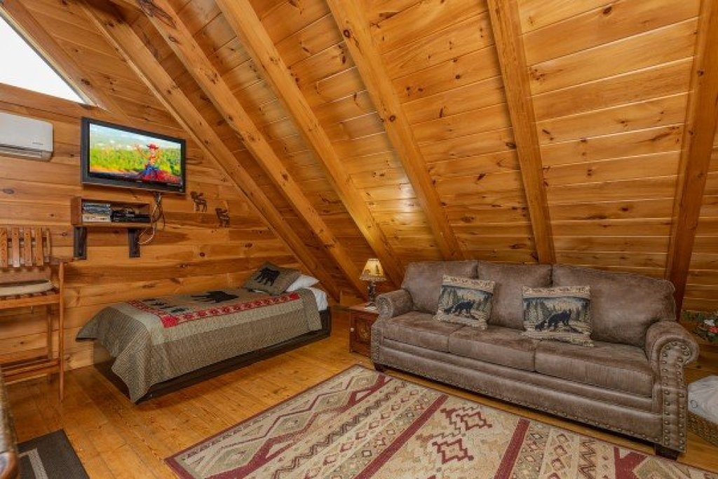Photo of a Sevierville Cabin named Absolutely Wonderful - This is the twenty-fourth photo in the set.