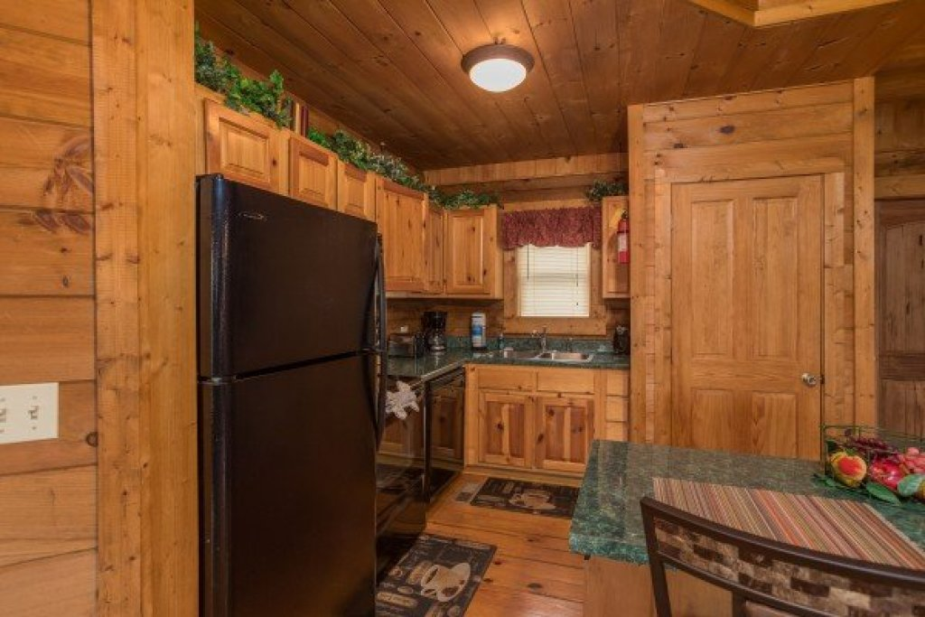 Photo of a Pigeon Forge Cabin named Hanky Panky - This is the seventh photo in the set.