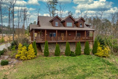 Free Attractions | Gorgeous Views, Game Room, Pool Table, Hot Tub