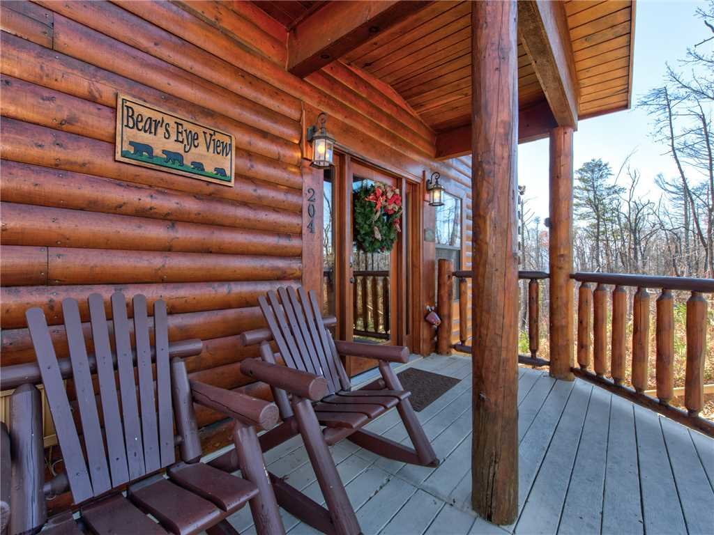 Photo of a Gatlinburg Cabin named Bear's Eye View - This is the thirty-eighth photo in the set.