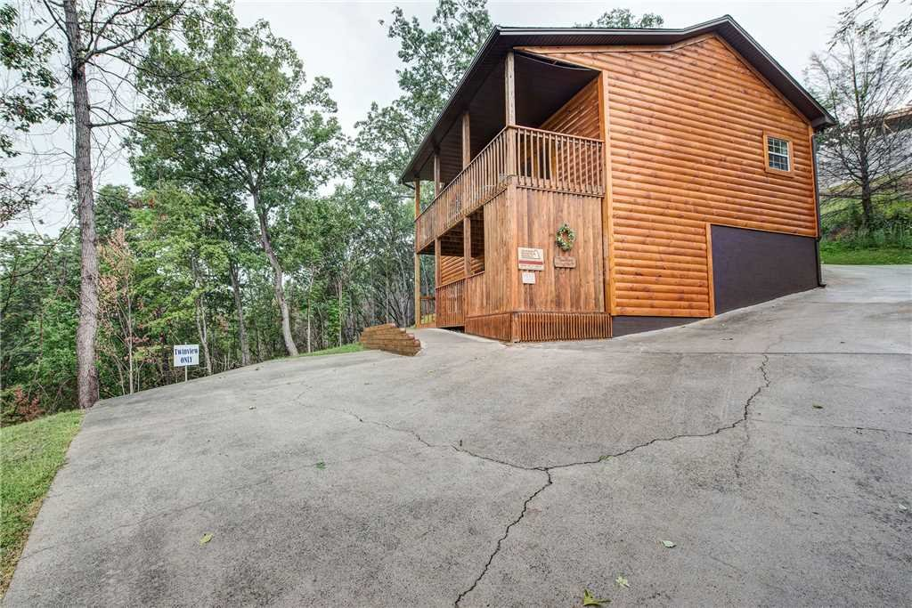 Photo of a Gatlinburg Cabin named Twin View - This is the twenty-fifth photo in the set.