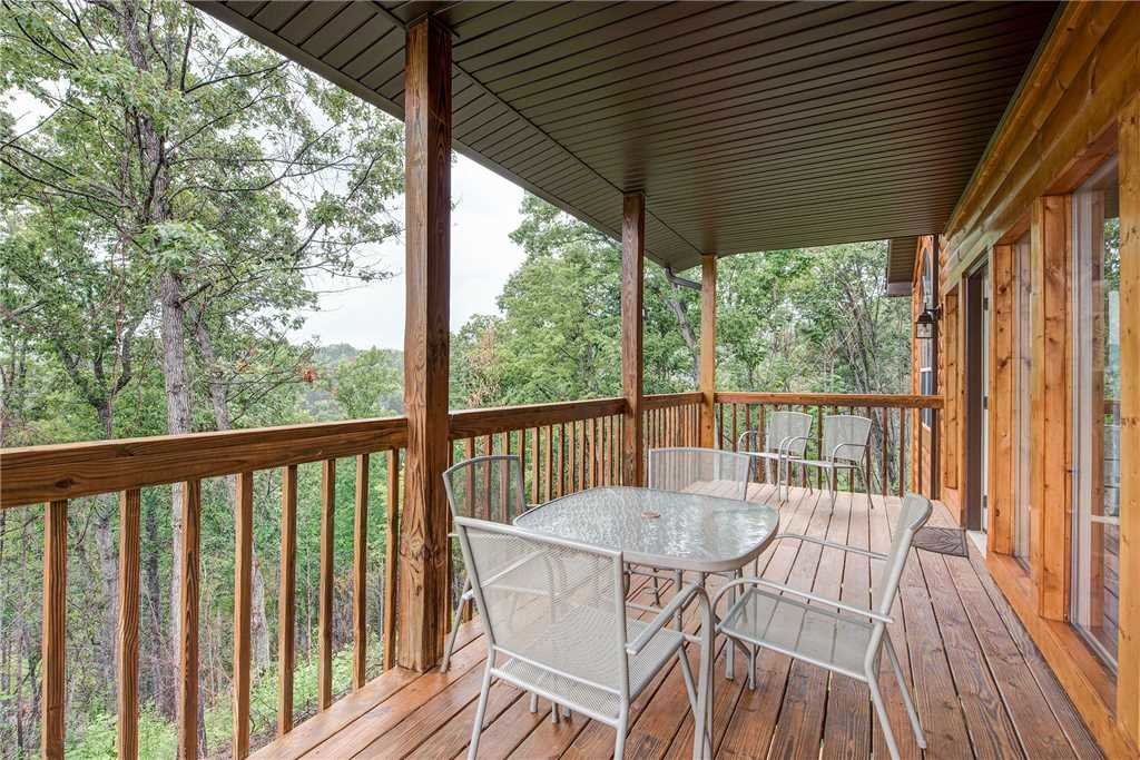 Photo of a Gatlinburg Cabin named Twin View - This is the twenty-fourth photo in the set.