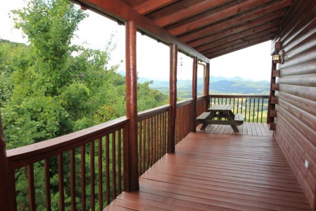 Photo of a Sevierville Cabin named Hummingbird's Views - This is the twenty-first photo in the set.