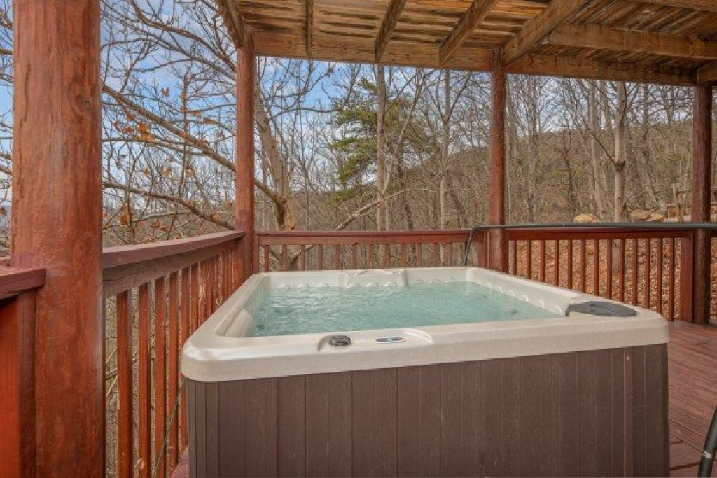 Photo of a Sevierville Cabin named Hummingbird's Views - This is the twenty-third photo in the set.