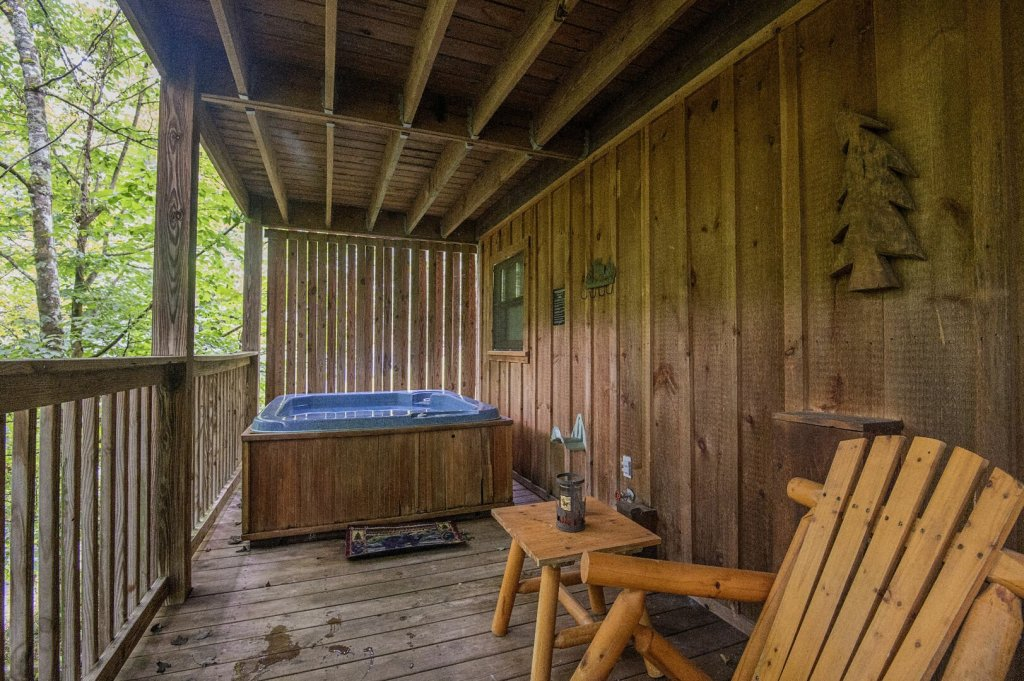 Photo of a Pigeon Forge Cabin named Mystic Mountain - This is the twenty-first photo in the set.