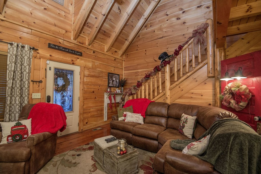Photo of a Sevierville Cabin named Liam's Retreat - This is the fourth photo in the set.