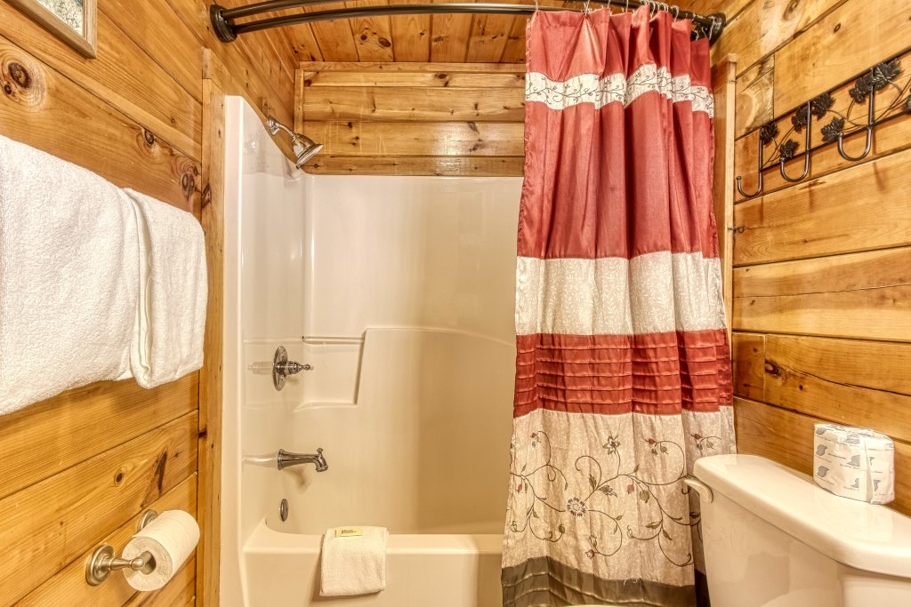 Photo of a Pigeon Forge Cabin named Lil Country Cabin #262 - This is the fifteenth photo in the set.