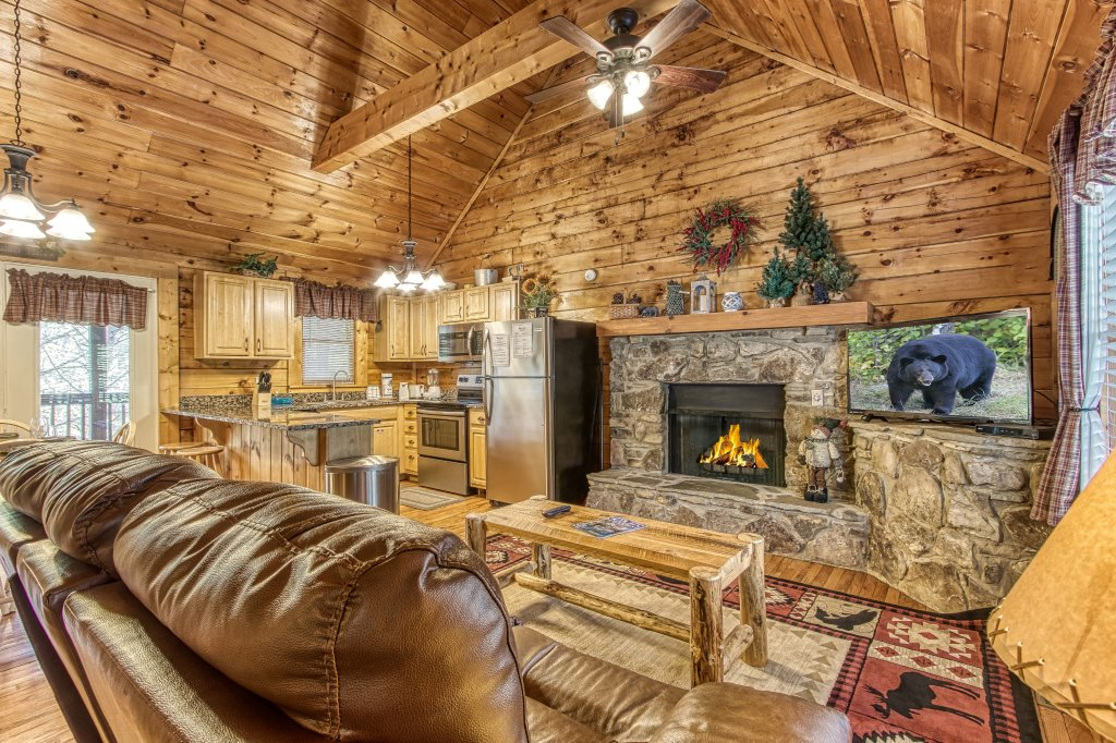 Photo of a Pigeon Forge Cabin named Lil Country Cabin #262 - This is the fourth photo in the set.