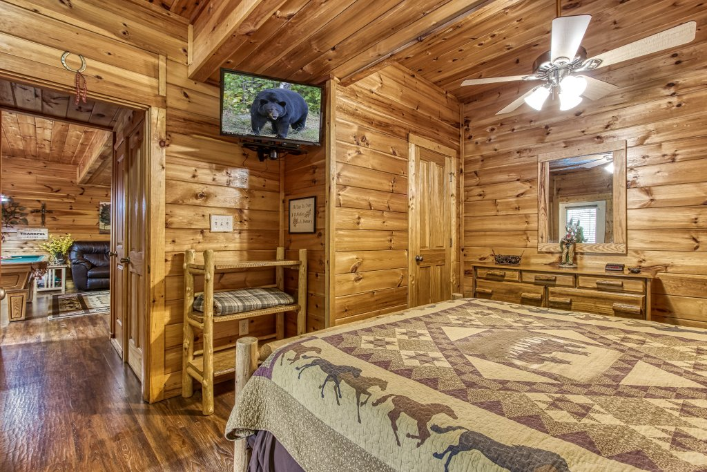 Photo of a Pigeon Forge Cabin named Lil Country Cabin #262 - This is the twenty-first photo in the set.